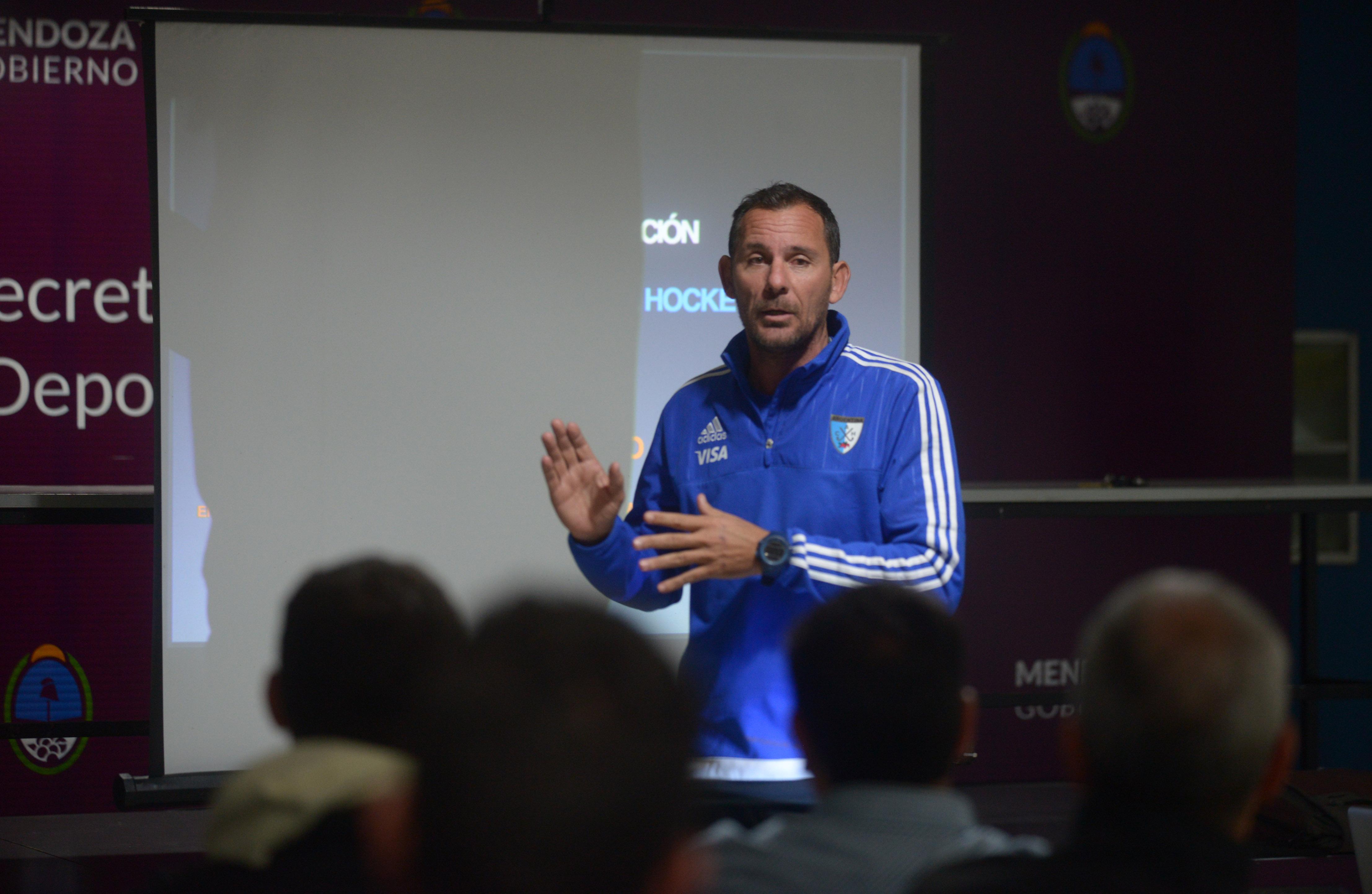 Corradini y Conna, los nuevos entrenadores de Las Leonas